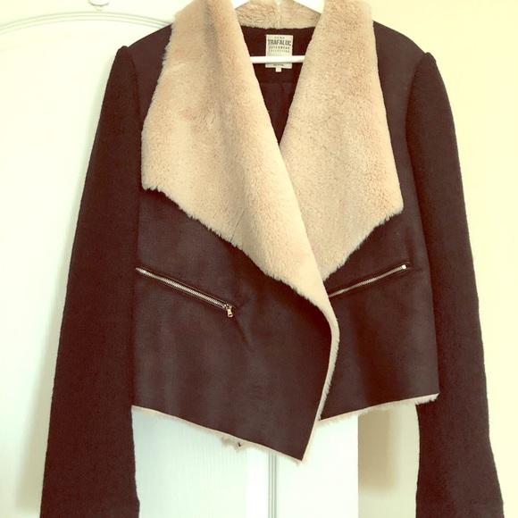 6f8de508 Zara cropped faux fur and wool jacket